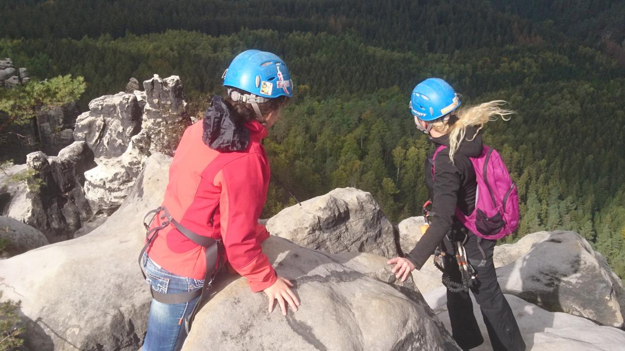 Klettern am Naturfelsen in der Sächsischen Schweiz
